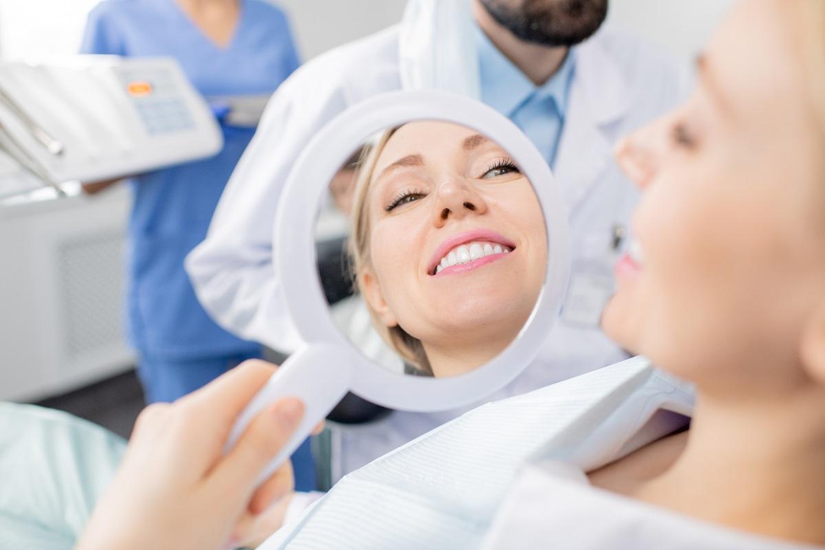 Licówki – szybka metoda na nowy uśmiech